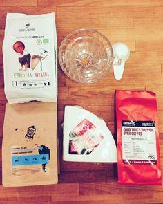 """kolejny kawowy prezent ode mnie dla mnie bo to prawda że """"good times happen over coffee""""   #johanandnyström #coffeelab #rocketbean #coffeedesk #hario #drip #coffeisalwaysagoodidea http://ift.tt/20b7VYo"""