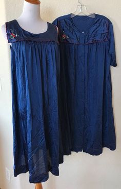 dfdfd242780 Vtg Shadowline Navy Blue Peignoir Set Nightgown and Robe Made in USA Medium  EUC  Shadowline  RobeGownSets