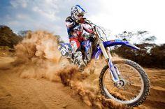 Really wanna learn to ride a dirt bike. Enduro Motocross, Motorcycle Dirt Bike, Dirt Biking, Motocross Racing, Hummer, Motocross Photography, Cool Dirt Bikes, Motocross Girls, Snowboard Girl