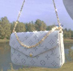 Sacs Louis Vuiton, Pochette Louis Vuitton, Louis Vuitton Handbags, Purses And Handbags, Vuitton Neverfull, White Louis Vuitton Bag, Prada Handbags, Luxury Purses, Luxury Bags