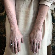 Arrow Tattoos, Leg Tattoos, Body Art Tattoos, Tribal Tattoos, Sleeve Tattoos, Finger Tattoo Designs, Small Tattoo Designs, Finger Tattoos, Subtle Tattoos