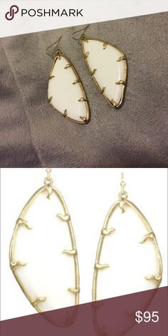 🎉Kendra Scott  Willow Tilted Triangle Earrings🎉 Super rare Limited edition Kendra Scott willow earrings in white and gold! Only worn a few times in great condition. Please no lowballed offers! Kendra Scott Jewelry Earrings
