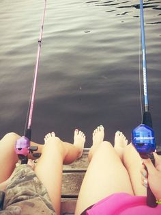me and my bff need to do this its so simply cute and we go fishing all the time occasionally we end up going for a swim lol Sister Pictures, Lake Pictures, Fishing Pictures, Cool Pictures, Country Best Friends, Best Freinds, Best Friends Forever, Best Friend Goals, My Best Friend
