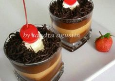 Resep Black Forest Pudding (in cup) oleh Sandra Agustin Pudding Cups, Pudding Desserts, Pudding Recipes, Cake Recipes, Dessert Recipes, Puding Oreo, Food N, Food And Drink, Dessert Boxes