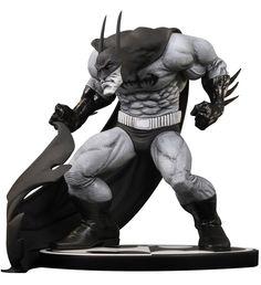 Batman Black & White statuette Sam Kieth 14 cm (DCD30727) Statuette en résine dimensions env. 14 x 15 x 13 cm sur socle logo. Modèle sculpté par Jonathan Matthews d´après Sam Kieth, fini et peint à la main en édition limitée numérotée. Disponibilité prévue : Déjà Dispo