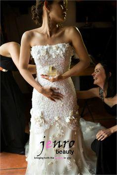 Celebrity Hair and Make-up artist Bridal Makeup, Wedding Makeup, Bridal Hair, Strapless Dress Formal, Formal Dresses, Wedding Dresses, Wedding Beauty, Celebrity Hairstyles, Big Day