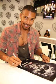Charles Michael Davis at Comic-Con® 2015! #CWSDCC #TheOriginals