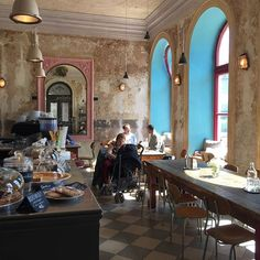 Totally hipster. Warm atmosphere, good for breakfast and coffee. #praguepicnicstips #praguefoodie #praguepicnics