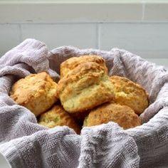 Kokosmakronen - zelf maken - koekjes - Beginspiration Toffee Cheesecake, Gnocchi, Pretzel, French Toast, Breakfast, Food, Apple Pie, Coconut Curry, Morning Coffee