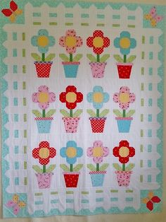 Cottage Blooms Quilt Pattern | April showers bring this gorgeous May flowers quilt pattern!