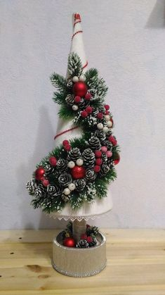 Outstanding Christmas deco detail are available on our internet site. Christmas Tree Bows, Homemade Christmas Decorations, Christmas Ornament Crafts, Christmas Candles, Christmas Centerpieces, Christmas Tree Decorations, Handmade Christmas, Holiday Crafts, Christmas Crafts