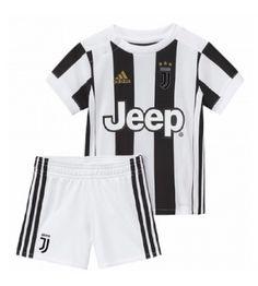 Juventus Hemmaställ Barn 17-18 Kortärmad Chitenge Outfits, Kids C, Team Uniforms, Football Kits, Soccer Cleats, Jersey Shirt, Adidas Jacket, Unisex, Jackets