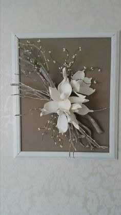 Caught some dry branches, no one thought what he would use Bid . Home Design : Caught some dry branches, no one thought what he would use Bid . Art Floral, Deco Floral, Floral Design, Diy Wall Art, Diy Art, Rama Seca, Diy And Crafts, Paper Crafts, Branch Decor