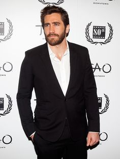 Star Tracks: Tuesday, January 6, 2015   ON THE TOWN   Jake Gyllenhaal stares down the cameras in the hottest way possible at the New York Film Critics Awards at Tao Downtown in Manhattan on Monday.