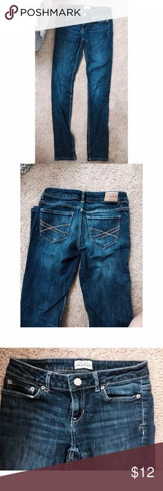 Aeropostale Skinny Jeans Skinny jeans in good condition. Worn but look semi-new. They are not legging material and fit nicely. Fits small/medium. There is a missing belt loop in the back. Aeropostale Jeans Skinny