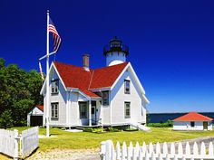 West Chop lighthouse picture free desktop background - free wallpaper image