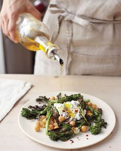 Crispy Broccoli Rabe, Chickpea, and Fresh Ricotta Salad / Whole Living