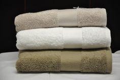 Odone in Albaro Spugna tinta unita 1 spugna accappatoio asciugamano morbida idrofila tappeto pietra savona finale alassio borgio verezzi