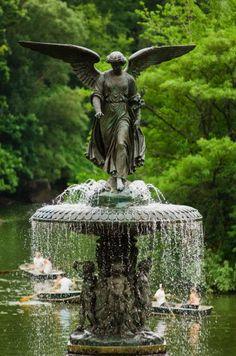 Bethesda Angel of the Waters Garden Fountains, Garden Statues, Garden Sculpture, Outdoor Fountains, Garden Art, Garden Design, Filipino House, Green Magic, Pond Water Features