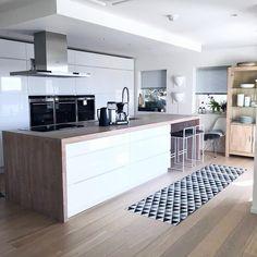 Island With Seating, Foto E Video, Kitchen Remodel, Kitchen Island, Kitchens, Instagram, Home Decor, Photos, Sun