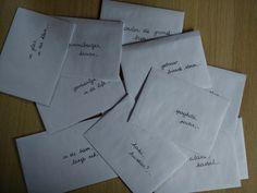 Schrijven - Werken met writing prompts. Het verhaal zoeken achter een bizarre foto. Daily 5, Note To Self, Kids Education, School Projects, Fun Learning, Spelling, Classroom, Notes, Teacher