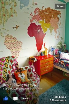 DIY :: Vintage Wallpaper To Create World Map Mural This site is in Norwegian but this map wallpaper idea is amazing! World Map Mural, World Map Wallpaper, Wallpaper Murals, Casa Kids, Deco Kids, Home And Deco, Kid Spaces, My New Room, Kids Bedroom