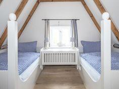 Träumen unter dem Inselhausdach Toddler Bed, Furniture, Home Decor, Mists, Vacations, Viajes, Child Bed, Decoration Home, Room Decor