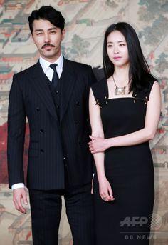 韓国・ソウルの韓国文化放送(MBC)社屋で行われた、ドラマ「華政 화정 Hwa Jung」の制作発表会に臨む、俳優のチャ・スンウォン(左)と女優のイ・ヨニ(2015年4月7日撮影)。(c)STARNEWS ▼15Apr2015AFP|MBC新ドラマ「華政」の制作発表会、ソウルで開催 http://www.afpbb.com/articles/-/3045511 #이연희 #李沇熹 #Lee_Yeon_hee #차승원 #車勝元 #Cha_Seung_won