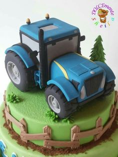 Tractor - cake by Sheila Laura Gallo Tractor Birthday Cakes, 2 Birthday Cake, Tractor Cakes, Fondant Cakes, Cupcake Cakes, Cupcakes, Digger Cake, Mini Tortillas, Farm Cake