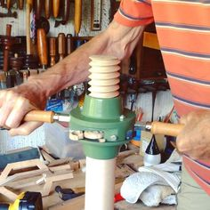 This is my good friend Colin Sullivan age 76. He's an authority on old tools with dates, names and stories in his head that keep me entertained for hours. Colin turned the columns for the wooden screw vice for the #lowfatroubo so had the first go with thread cutter. Yes it is as tough as it looks