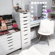 Current beauty room status . Don't forget - if you've missed out on picking up a gift in time for Chrissy we have gift cards available. . Gift cards are emailed within 24hrs or email us if it's urgent. . Available via our website. Link on our Instagram page . Close ups on our Insta story x . #makeupstorage #beautyroom #vanity #vanitystorage #acrylicmakeupstorage #beautyroomstorage #vanitytable #beautyroominspo #vanities #vanitytable #makeupmirror #makeuporganizer #cosmetics #cosme...