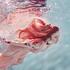 underwater portrait by Ilona D. Underwater Photos, Underwater Photography, Portrait Photography, Photography Tips, Street Photography, Landscape Photography, Nature Photography, Fashion Photography, Wedding Photography