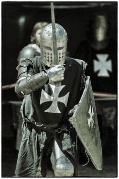 York Medieval Fayre - Photo by Paul Amyes on Medieval Weapons, Medieval Knight, Medieval Fantasy, Armadura Medieval, Knights Hospitaller, Knights Templar, Knight In Shining Armor, Knight Armor, Samurai