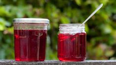 Redcurrant and mint jelly