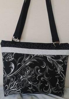 kabela+černobílá+rozměry+39x34+cm+délka+uší+80+cm+zapínání+na+zip+ve+vnitř+dvojkapsička+ Messenger Bag, Diaper Bag, Gym Bag, Satchel, Zip, Diaper Bags, Mothers Bag, Crossbody Bag, Backpacking