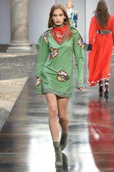 Philosophy Di Lorenzo Serafini Spring/Summer 2018 Ready-To-Wear | British Vogue