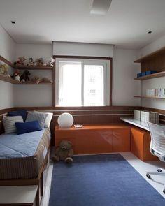 Quarto kids l Destaque para o toque laranja e azul, que deixou o ambiente cheio de astral! Projeto @luizamasetti #bedroom #kidsroom #kids #orange #cute #instagram #quartodemenino #quarto #photo #homedecor #arquiteta #architect #decoracao #decor #decoration #interiordesign #instahome #home #sextalinda #friday #instafriends #blogfabiarquiteta #fabiarquiteta  Blog www.fabiarquiteta.com