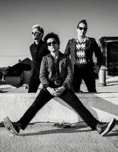 Green Day regresa revolucionario https://t.co/NDd5o9ohhH...
