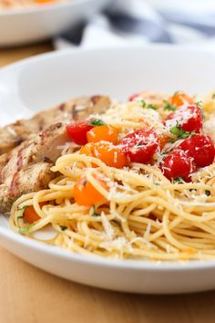 Cherry Tomato Basil Pasta with Chicken - A healthy, easy, yummy and light pasta meal! Thin spaghetti is tossed in a light, super flavorful and delicious cherry tomato and basil sauce, then combined with a citrusy grilled/pan-fried chicken. Tomato Pasta Recipe, Tomato Basil Pasta, Pasta Recipes, Chicken Recipes, Yummy Appetizers, Appetizer Recipes, Dinner Recipes, Fried Beef, Fried Chicken
