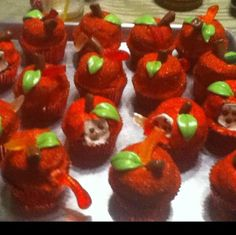 I found 'Apple Cupcakes' on Wish, check it out!