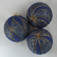 Midnight Vines, Set of 3 – Susanne's Ornaments Vintage Christmas Balls, Quilted Christmas Ornaments, Candy Christmas Decorations, Fabric Ornaments, Christmas Fabric, Handmade Ornaments, Christmas Crafts, Beaded Ornaments, Homemade Christmas