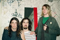 Dave Grohl, Krist Novoselic, and Kurt Cobain Nirvana Kurt Cobain, Dave Grohl, Donald Cobain, Grunge, Van Halen, Foo Fighters, Rare Photos, Cool Bands, Rock And Roll