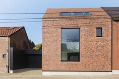 Contemporary brick architecture. Finding the right balance between accommodation and outstanding design. House Dejaeghere-François - PCp-Architects, Belgium