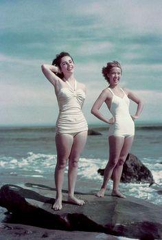 Elizabeth Taylor and Jane Powell, 1948.