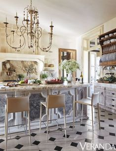 30 Gorgeous Summer House Ideas - Best Ways to Decorate Summer Houses for a Weekend Retreat Eclectic Kitchen, Rustic Kitchen, Country Kitchen, New Kitchen, Kitchen Ideas, Luxury Kitchen Design, Best Kitchen Designs, Bright Kitchens, Cool Kitchens