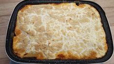 Rakott krumpli tepsiben Griddle Pan, Cornbread, Food And Drink, Pie, Ethnic Recipes, Desserts, Millet Bread, Torte, Tailgate Desserts