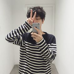 gambar boy, ulzzang, and asian Boys Korean, Korean Boys Ulzzang, Ulzzang Couple, Cute Korean, Ulzzang Boy, Asian Boys, Asian Men, Korean Couple, Ulzzang Fashion