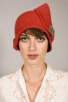 Pink-Red cloche with vintage shoe buckle