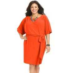Summer Dresses for Curvy Women that Slim!