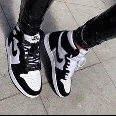 Jordan Shoes Girls, Girls Shoes, Nike Jordan Shoes, Air Jordan Sneakers, Shoes Women, Nike Shoes Air Force, Cute Sneakers, Black Shoes Sneakers, Black And White Sneakers